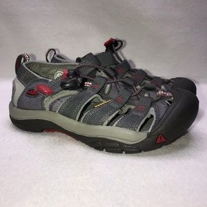 Keen Gray Red Outdoor Water Shoes Boy's 2